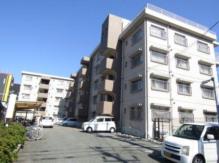 エメラルドマンション東那珂のサムネイル
